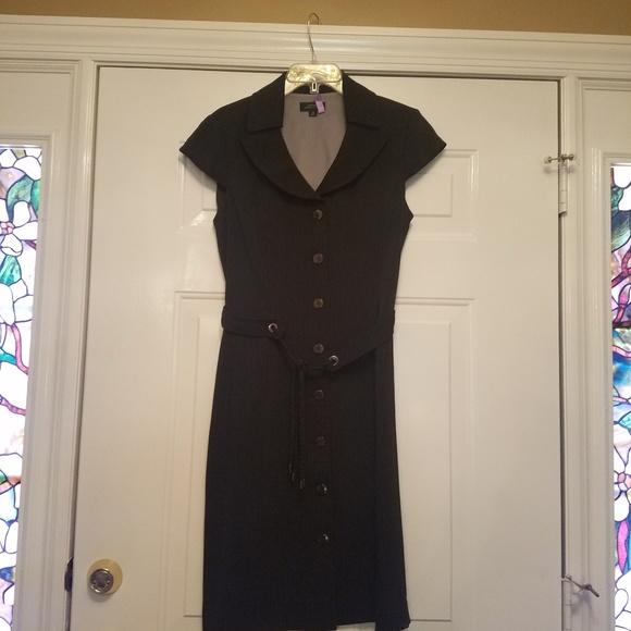 Tahari Dresses & Skirts - Tahari Dress 8 black and tan pinstripe w/ belt